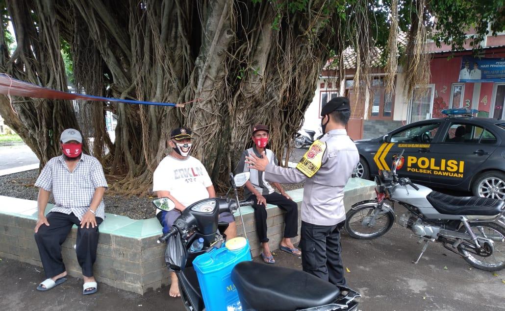 Melalui Ops Yustisi, Polsek Dawuan Berikan Masker, Himbauan Dan Penindakan Bagi Pelanggar Protokol Kesehatan