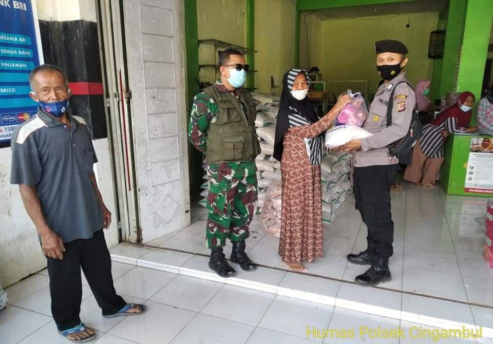 Polsek Cingambul Bersama Koramil Bersinergi Monitoring Penyaluran Bantuan Non Tunai Diwilayah Desa Binaannya