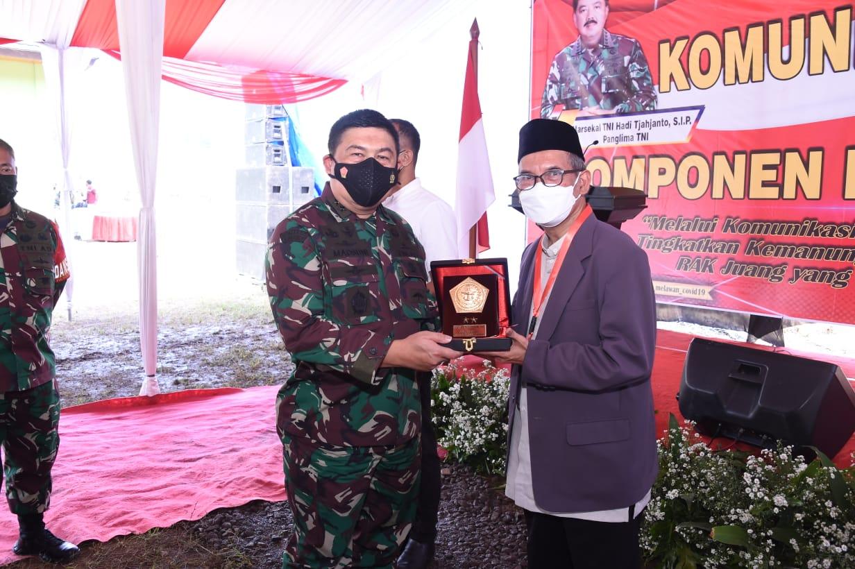 Aster Panglima TNI Turun Gunung, Pimpin Serbuan Teritorial di Cidahu Kuningan
