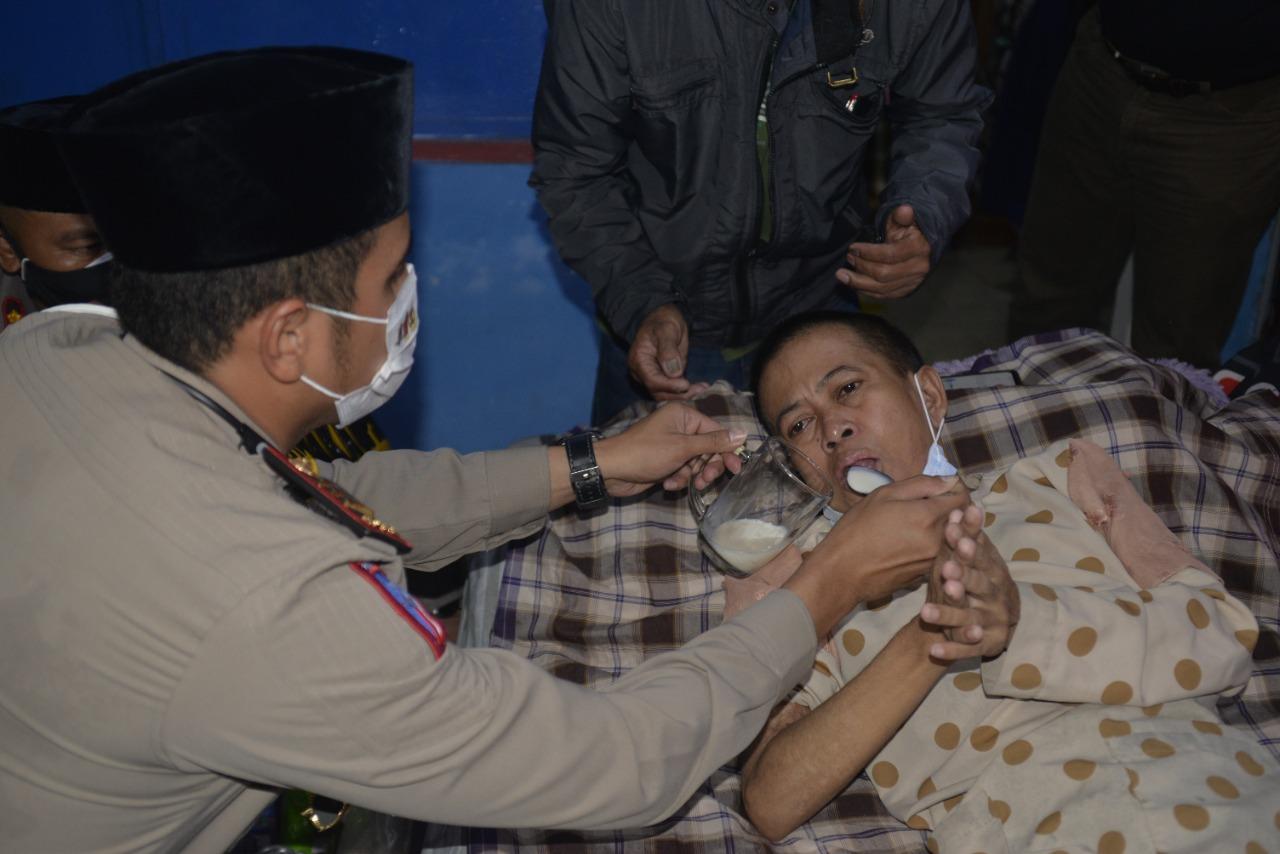 Korban Kompor Meledak, Dikunjungi Kapolres Cirebon Kota Serta Mahasiswa Unswagati