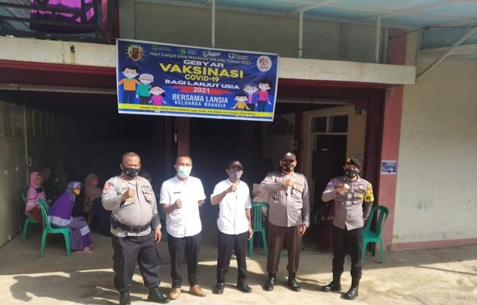 Kapolsek Cingambul Monitoring Pelaksanaan Vaksinasi Lansia Covid-19 Bagi Warga Desa Rawa