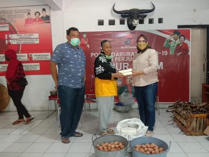 Dapur Umum PDI Perjuangan Kota Cirebon Direspon Positif Warga