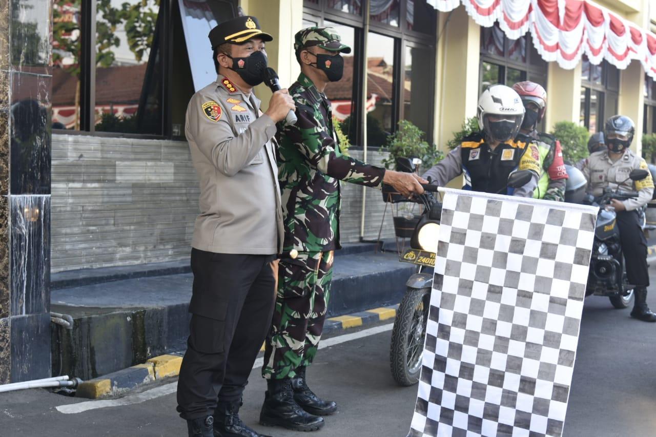 Polresta Cirebon Distribusikan Bansos PPKM Darurat Serentak Jajaran Polda Jabar