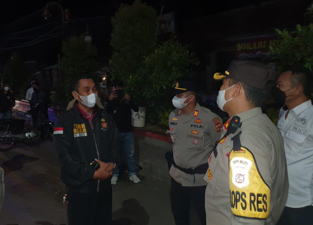 Kapolres Majalengka Turun Langsung Patroli dan Sekat Jalan di Malam Takbiran Idul Adha