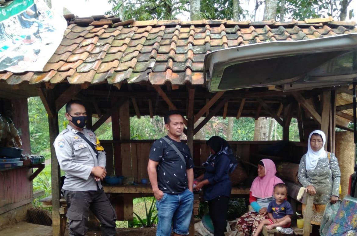 Bhabinkamtibmas Polsek Malausma Sambangi Warga, Sampaikan Himbauan Prokes Dimasa PPKM Mikro