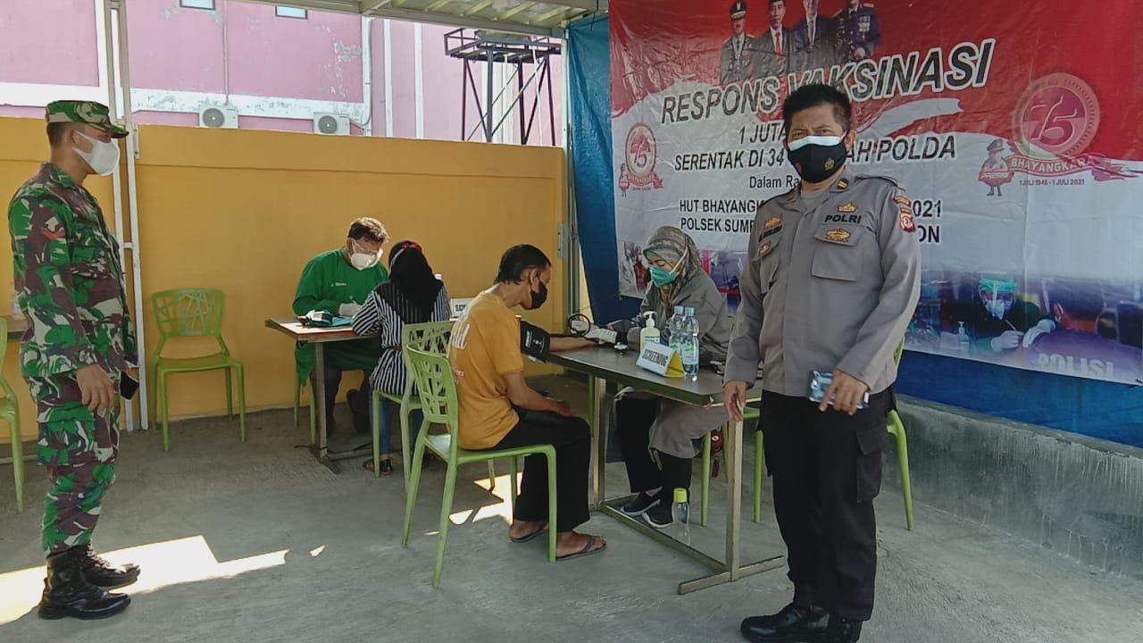 Gerai Vaksin TNI-POLRI Tahap II Dalam Rangka Pengendalian Penanganan Covid-19 di Wilayah Hukum Polsek Sumber Polresta Cirebon