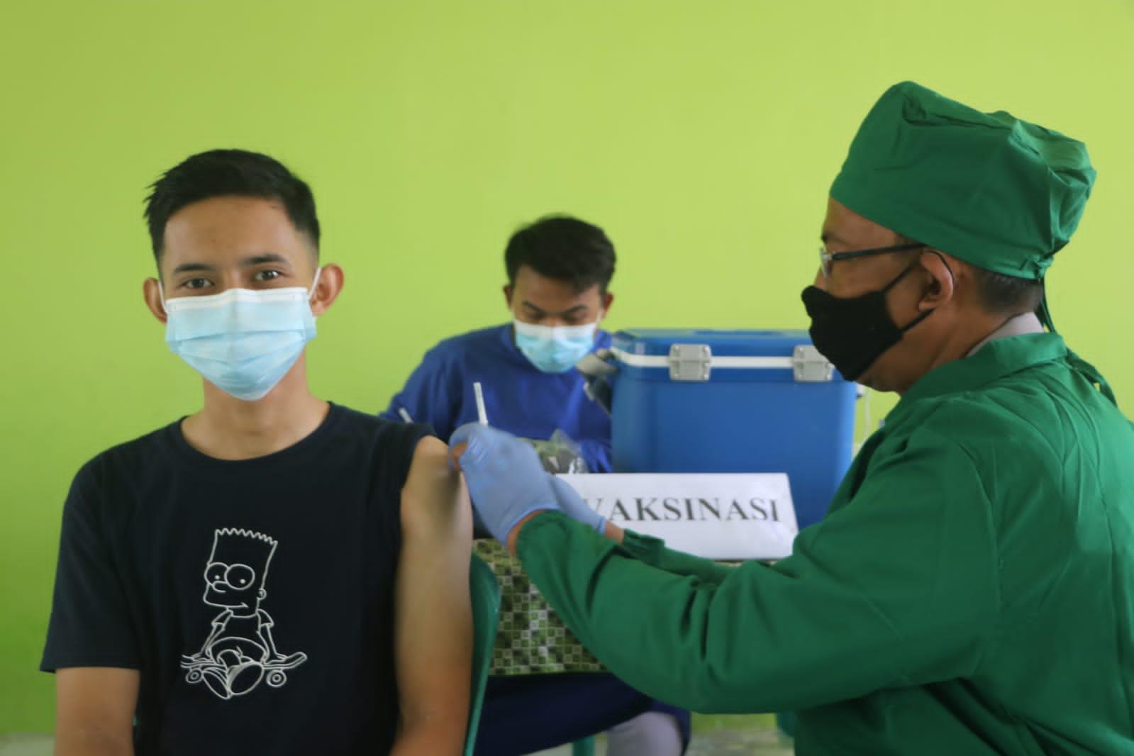 Kapolres Cirebon Kota Hadiri Deteksi Vaksinasi dan Pembagian Sembako Sinergitas TNI-Polri dan PMII