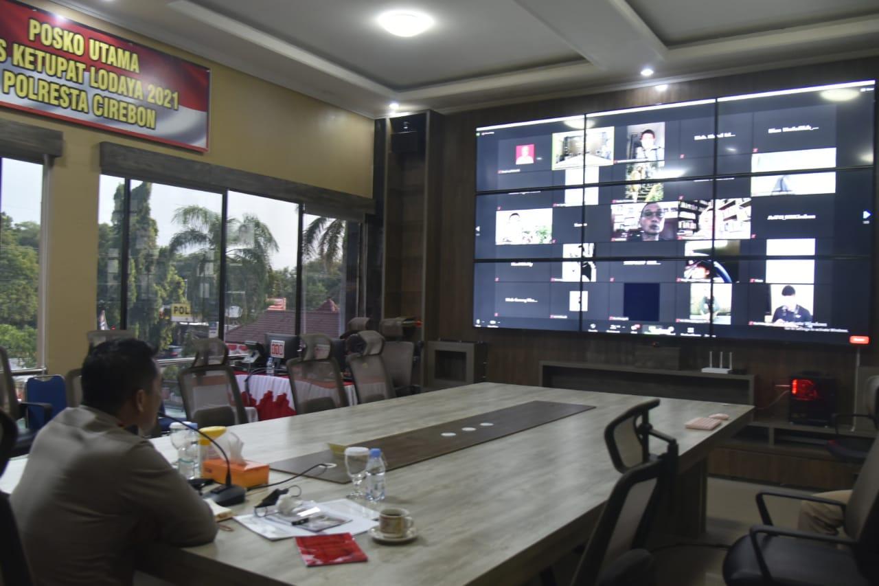 Jajaran Polresta Cirebon Tanpa Lelah Sosialisasikan Protokol Kesehatan Kepada Masyarakat