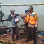 Kapolres Ciko Bukan Hanya Darat Saja Kita Berbagi Kasih, Lautpun Jadi Sasaran Bansos Sembako