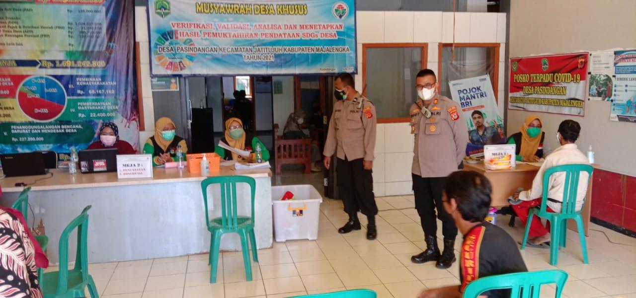 Kasat Binmas Polres Majalengka Pantau Vaksinasi di Gerai Vaksin Presisi Desa Pasindangan
