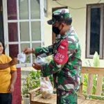 Putus Penyebaran Covid, Babinsa Koramil 0620-20Gegesik, Bagi Masker Untuk Warga