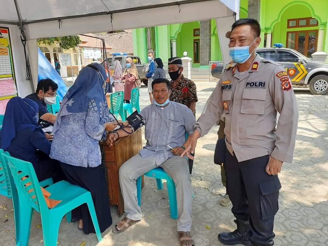 PPKM Level 4 Diberlakukan, Kapolsek Maja Cek Kegiatan Vaksinasi Sinergitas di Gerai Presisi Desa Nunuk