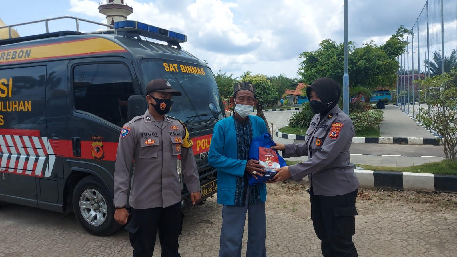 Dua Desa Di Kecamatan Sedong Terima Bantuan Sosial Dari Polresta Cirebon