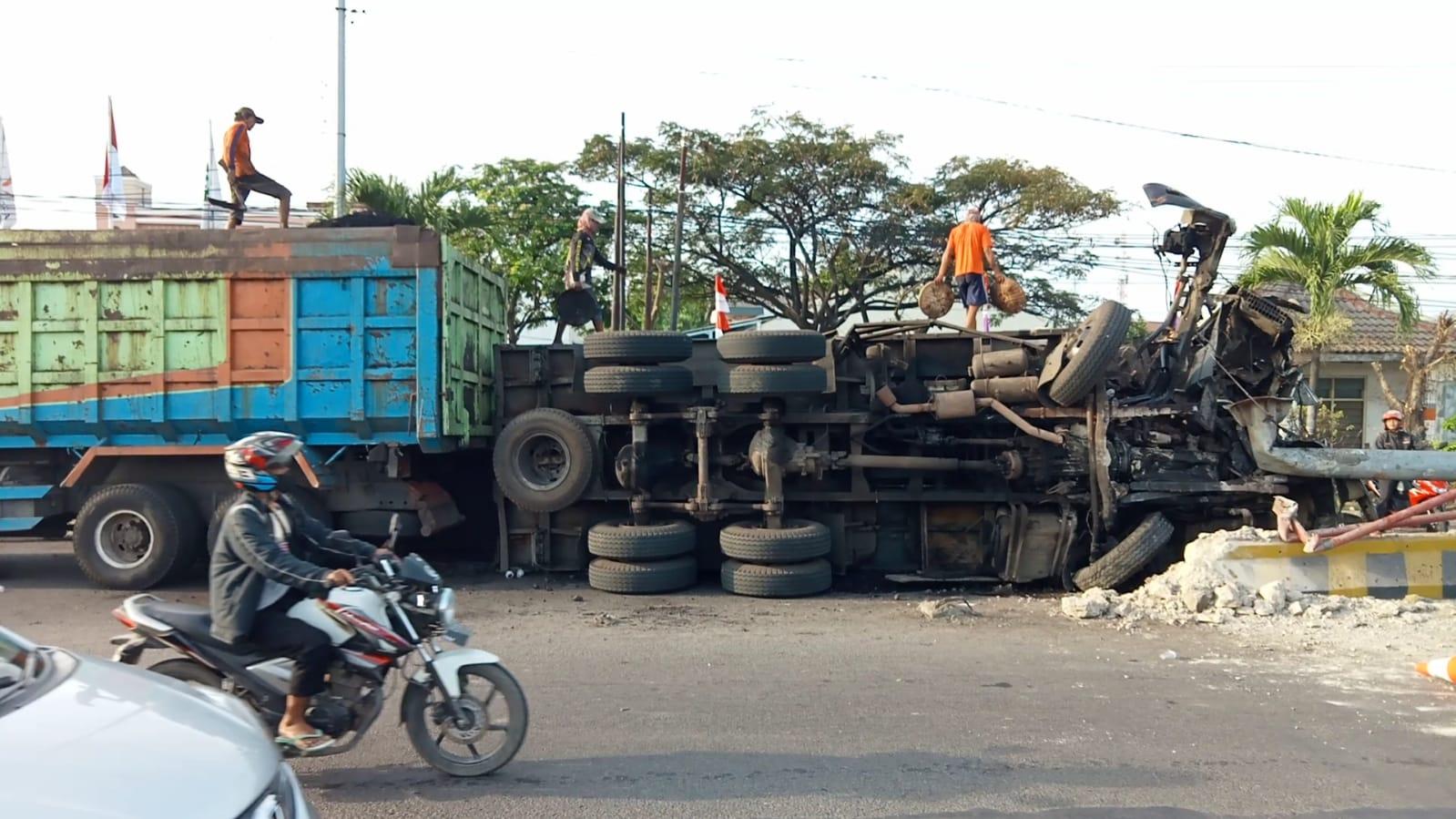 Kasat Lantas Polres Ciko : Insiden Truk Terguling, Tidak Ada Korban Jiwa