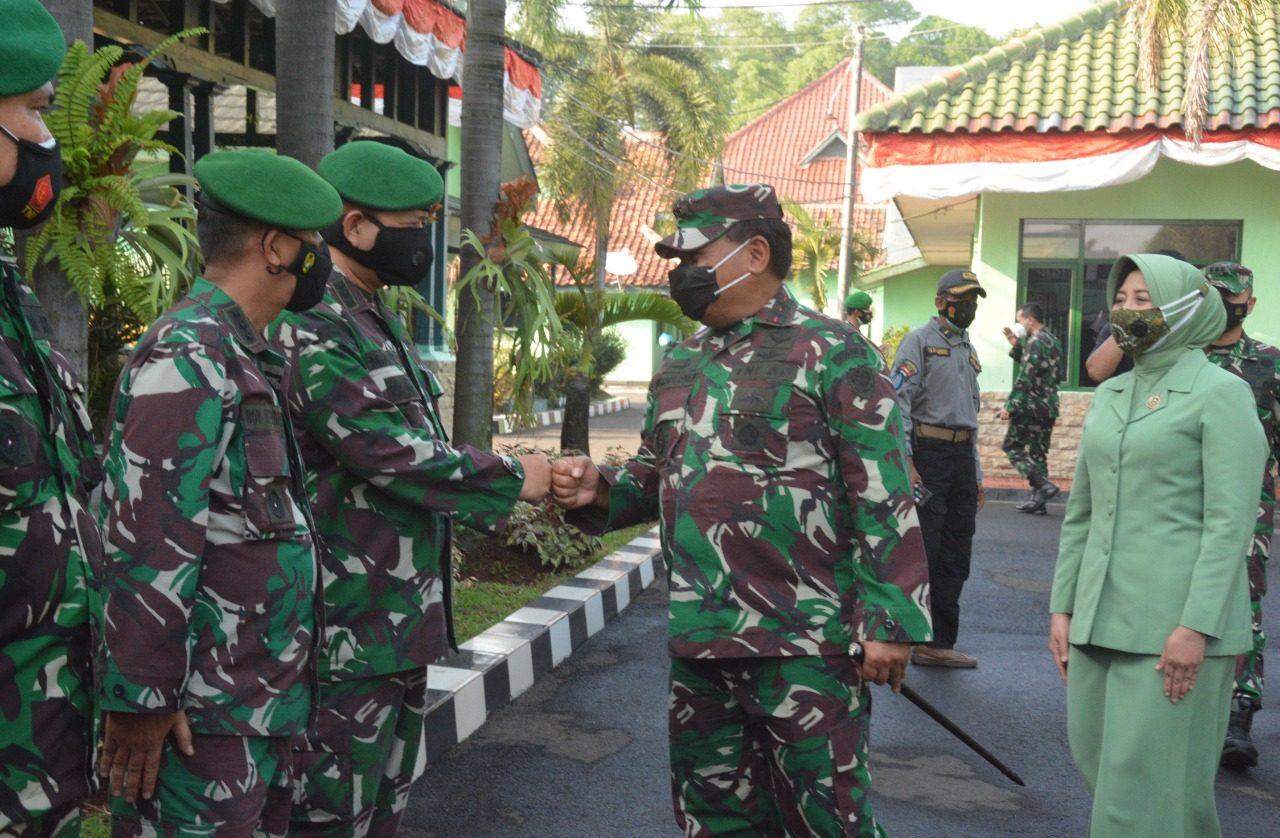Pangdam III/Siliwangi Bersama Ketua Persit KCK PD III/Slw Kunjungi Korem 064/MY