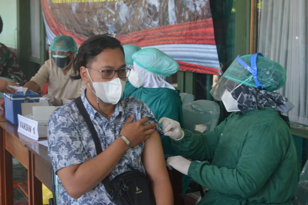 Korem 063/SGJ Rekor Terbanyak Peserta Vaksin Capai 1.479 Orang Sehari