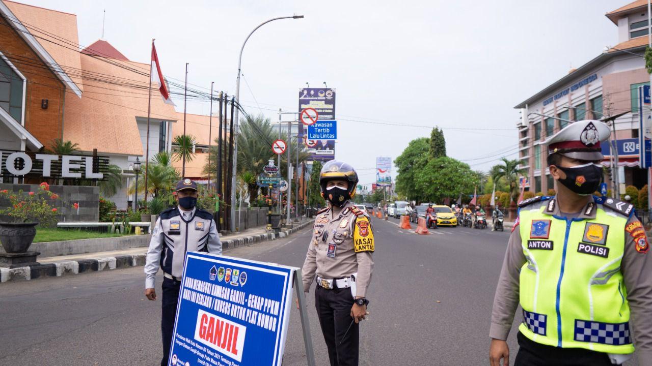 Sat Lantas Polres Cirebon Kota Mulai Memasang Rambu-rambu Pelaksanaan Gage