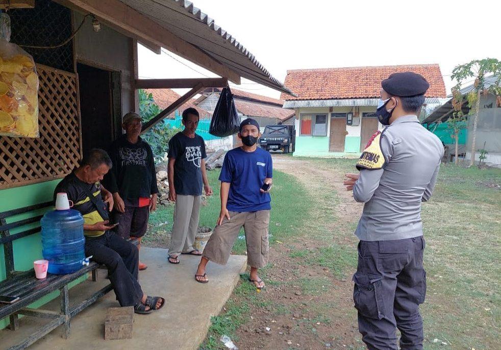Dengan Humanis Bhabinkamtibmas Polsek Banjaran Polres Majalengka Himbau Warga Pakai Masker