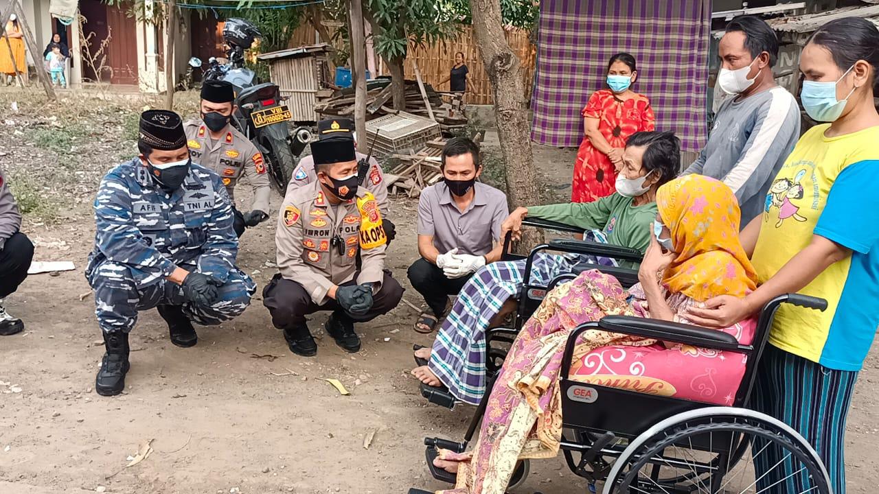 10 Tahun Lumpuh, Pasutri Dapat Bantuan Kursi Roda Serta Sembako Dari Kapolres Cirebon Kota