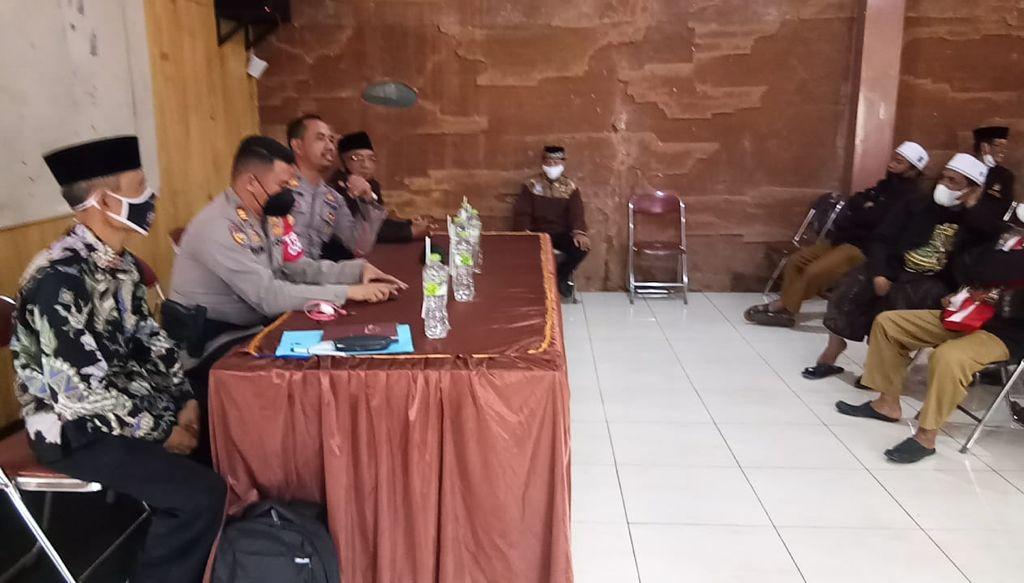 Kasat Binmas Polres Majalengka di Dampingi Kapolsek Talaga Bentuk Pengurus Dai Kamtibmas Masa Hidmat 2021-2026