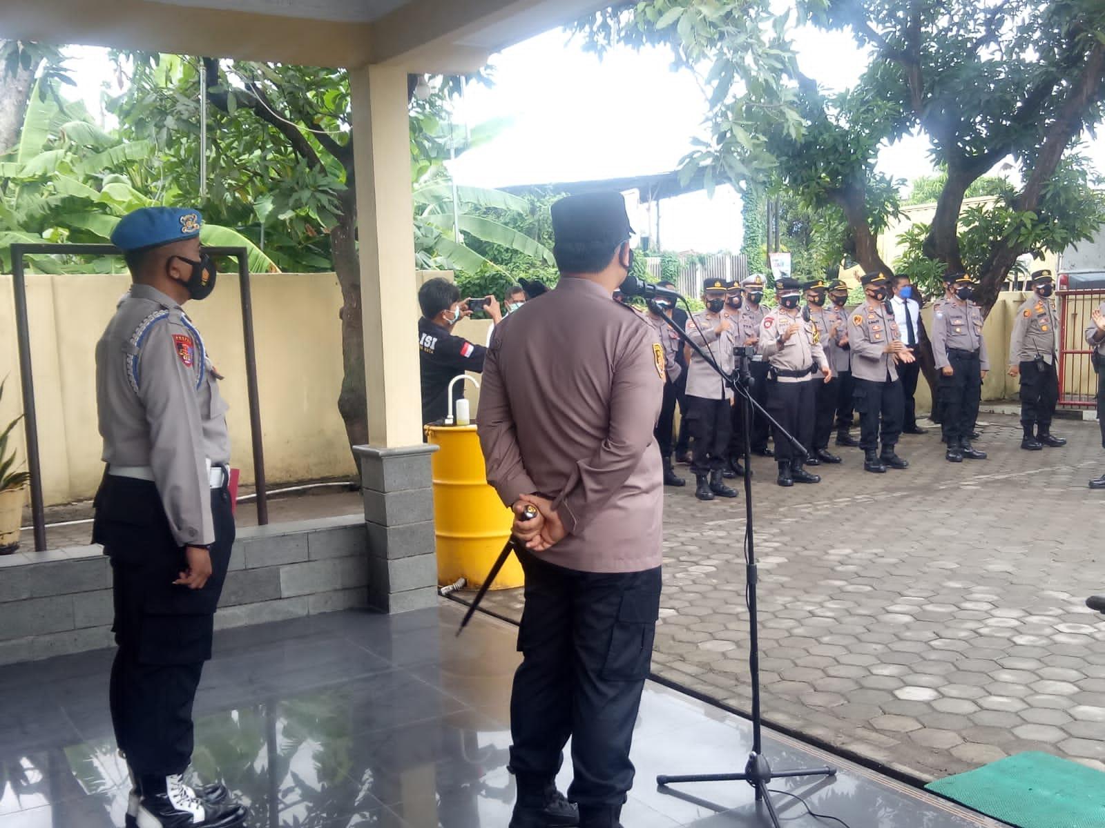Kasiwas Polres Cirebon Kota Bersama Kapolres Laksanakan Pengawasan Kinerja Anggota
