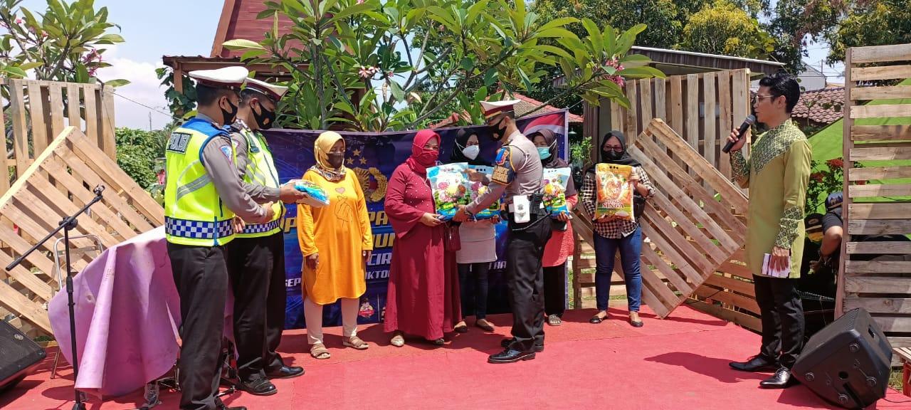 Sat Lantas Ciko Himbau Prokes dan Tiblantas Dalam Rangka OPS patuh Lodaya 2021