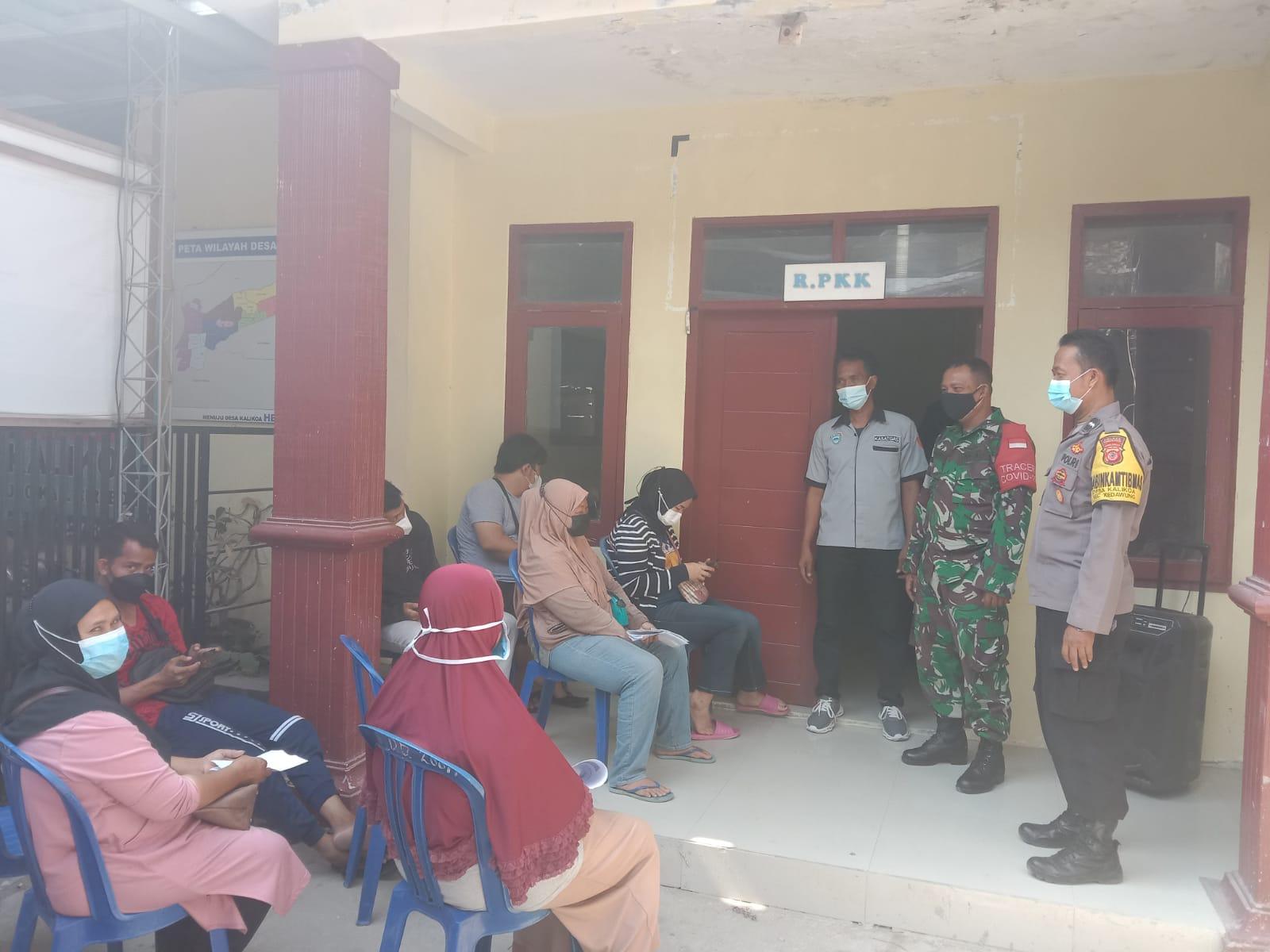 Bhabinkamtibmas Desa Kalikoa Monitor Gebyar Vaksin Lansia