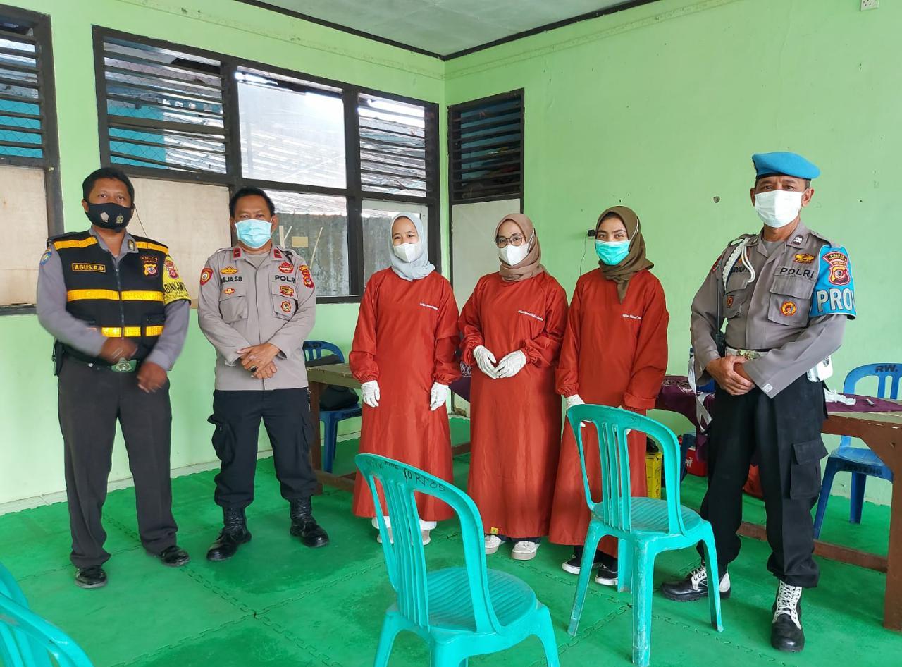 Jajaran Polsek Lemahwungkuk Polres Ciko Amankan Vaksinasi Covid-19 Tahap 1 dan 2 Bersama Pemerintah Kel. Panjunan