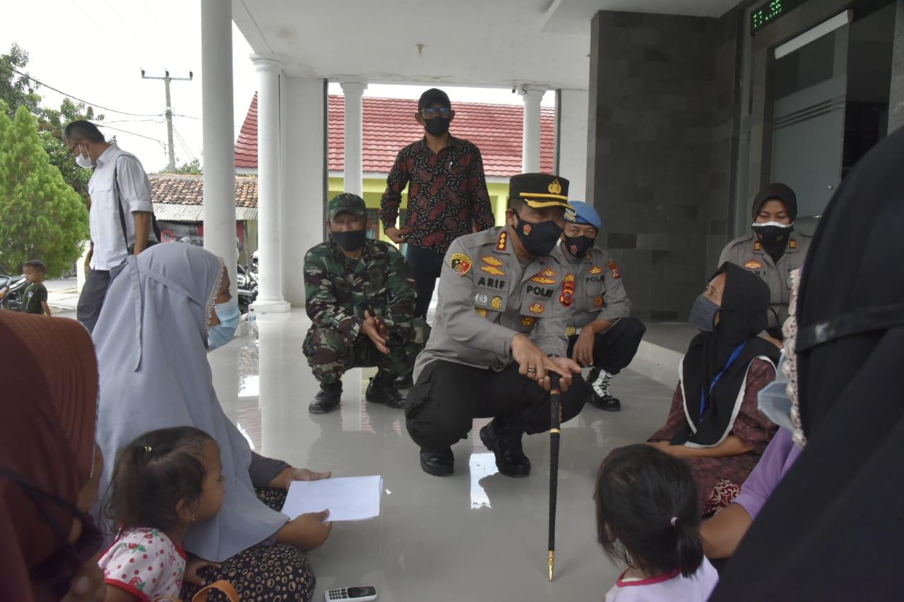 Kapolresta Cirebon Monitoring Vaksinasi Massal di Polsek Zona Timur