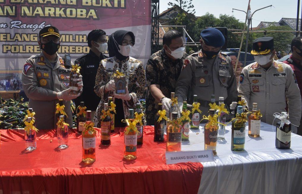 Polres Cirebon Kota Gelar Pemusnahan Barang Bukti Miras dan Narkoba