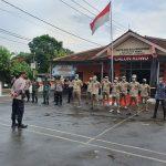 Pama Asistensi Pilwu Polres Ciko Cek Personil di Desa Banjarwangunan Kecamatan Mundu