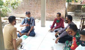 Kordinasi dan Komunikasi Selalu Dilakukan Bhabinkamtibmas Bersama Babinsa dan Aparat Pemerintah Desa