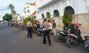 Polsek Lemahwungkuk Polres Ciko, Monitoring Obyek Wisata dan Kuliner Memastikan Prokes